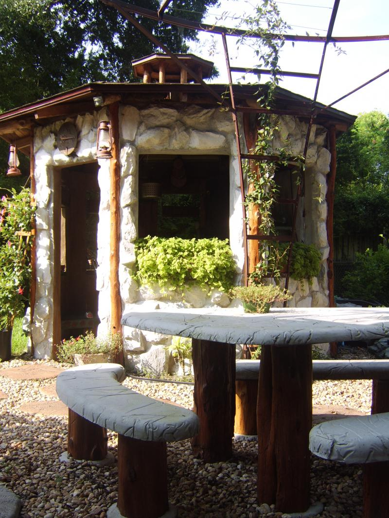 """Flinstone Table""&""backyard Smokehouse"""