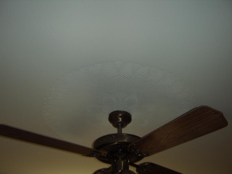 Accent for ceiling fan,drywall texture.